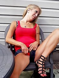 Flashing, Bar, Panty milf