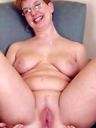 Mature mom, Amateur moms