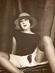 Vintage lesbian, Nude