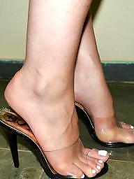Feet, Mature feet, Mature brunette, Latin mature, Brunette mature, Mature latin