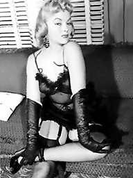 Vintage lingerie, Lady, Vintage amateur, Amateur stockings, Amateur lingerie, Vintage amateurs