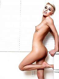 Cameltoe, Naked