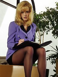 Pantyhose upskirt, Classy, Leggings, Legs stockings, Ladies