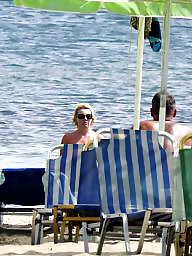 Caught, Topless, Hidden, Beach milf, Beach voyeur, Voyeur beach