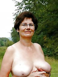 Hanging, Mature tits