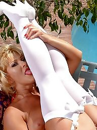 Blonde mature, Mature in stockings