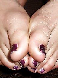 Stocking feet, Amateur feet
