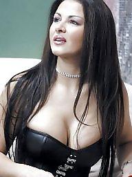 Big, Flashing boobs