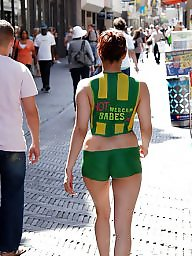 Public nudity, Public flash