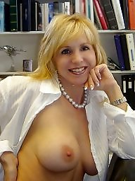 Milf tits, Flashing tits