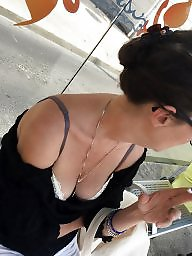 Downblouse, A bra, Tits flash, Flashing tits