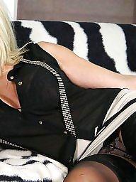 Miniskirt, Upskirt mature, Sexy mature, Mature sexy