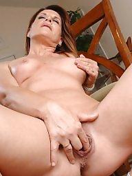 Linda, Mature ladies