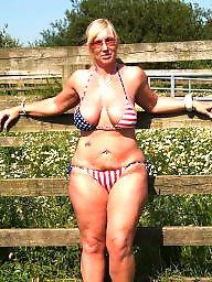Flashing, Public nudity, Flashing boobs