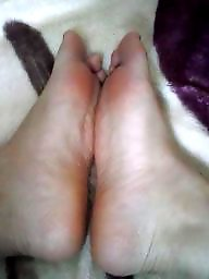 Feet, Mature feet, Hijab feet