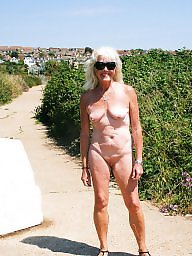 Public nudity, Public matures, Mature public