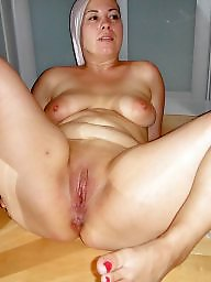 Mom, Spreading, Fat, Fat mature, Cunt, Mature spreading