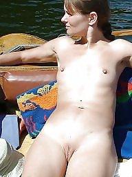 Flat, Teen tits