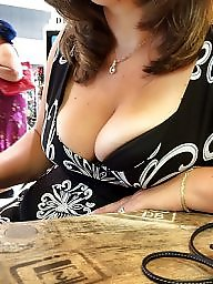 Wife, Cleavage, Show, Wife flashing, Milf flashing