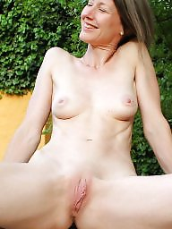 Aunt, Amateur mom, Mom mature