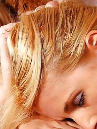 Blonde, Teen lesbians