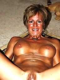 Moms, Mature amateur