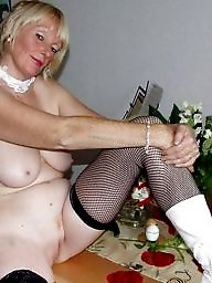 Mom, Aunt, Milf mature, Amateur moms