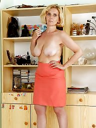 Hairy mature, Mature amateur, Hairy matures