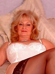 Mature blonde, Blond mature