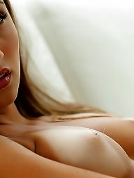 Tits, Blonde