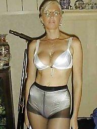 Pantyhose, Pantyhose ass, A bra