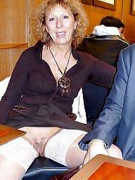 Upskirt flashing, Public nudity