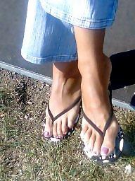 Milf feet, Candid