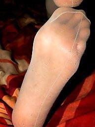 Nylon feet, Feet, Nylons
