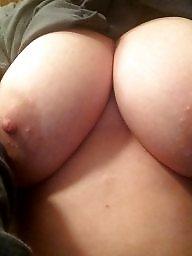 Titties, Milf flashing