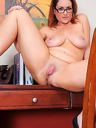 Spreading, Mature spread, Mature spreading, Spreading mature, Amateur milf