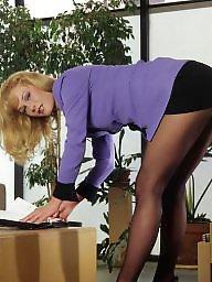Pantyhose, Leggings, Pantyhose upskirt, Upskirts, Classy, Upskirt stockings