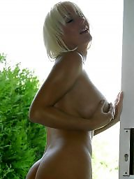 Mature blonde, Blonde mature