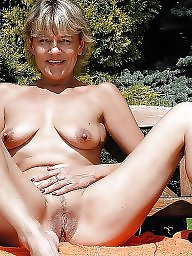 Flash, Nipple, Mature flashing, Mature flash, Beautiful mature, Mature nipples