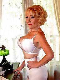 Bbw stockings, Bbw stocking, A bra, Bra boobs, Bbw women