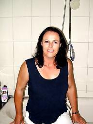 Wife, Bath, Bathing