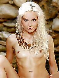 Nude, Blondie