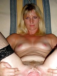 Spreading, Mature spreading, Spread, Open, Spreading milf, Milf spreading