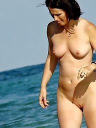 Mature beach, Matures, Beach mature