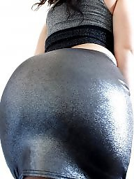 Big butt, Candid, Dressed, Mature dressed, Mature big ass, Tight