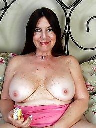 Mature hairy, Tit mature