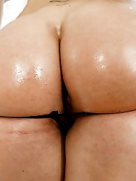 Wet, Wetting, Big ass milf, Milf big ass