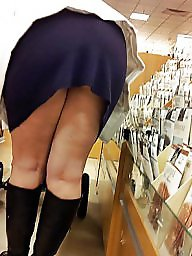 Flash, Upskirt milf, Shop, Milf upskirt, Shopping, Wife flashes