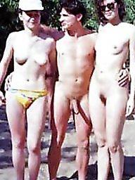 Bikinis, Bikini beach