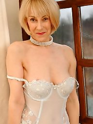 Granny, Nylon, Granny nylon, Granny stockings, Mature nylon, Nylons